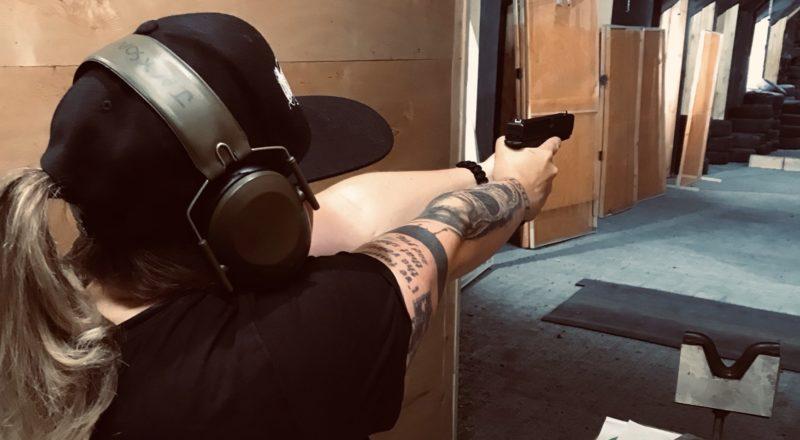 Mit Glock auf dem Schießstand